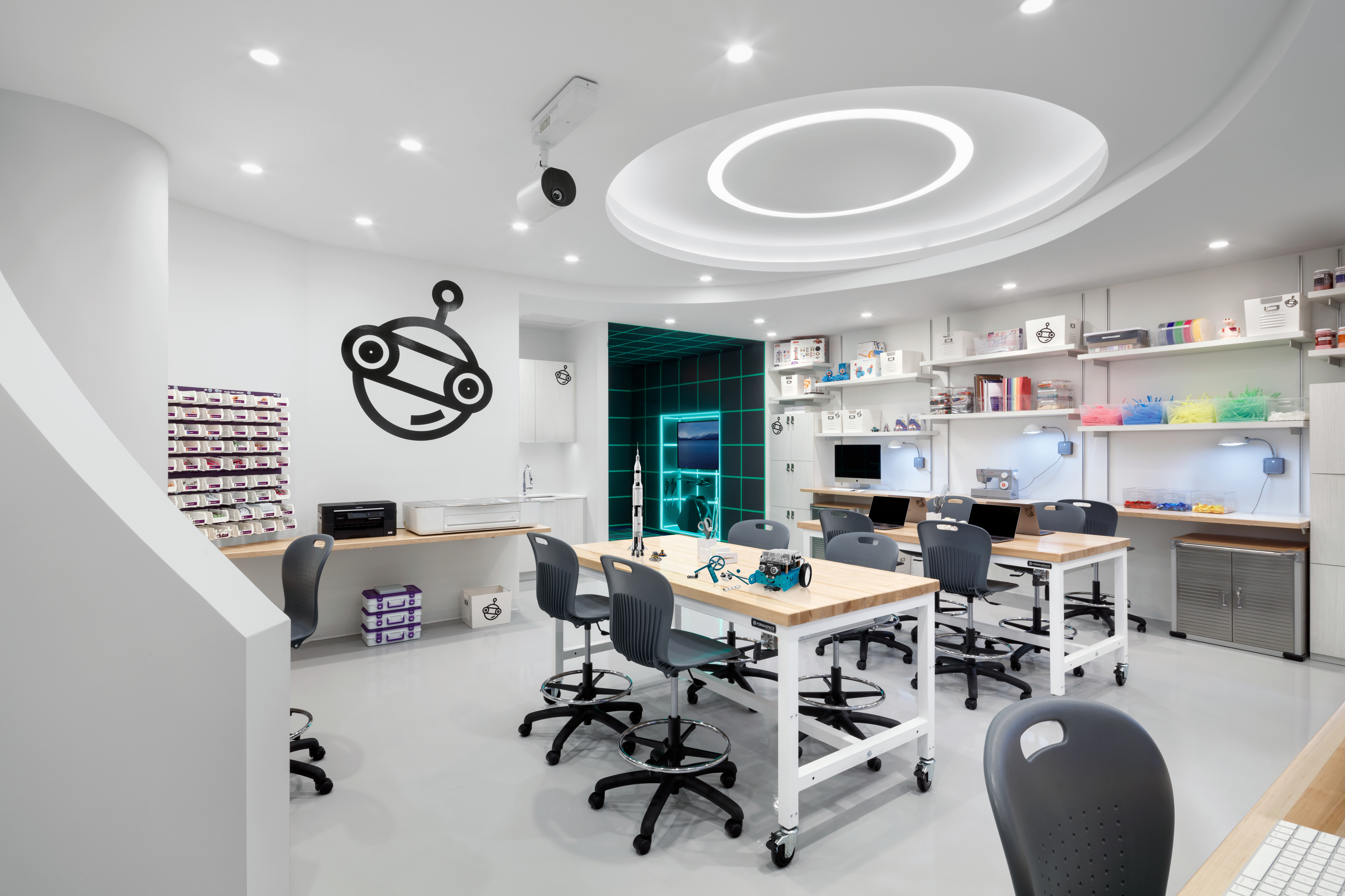 View inside Sandbox, a high-tech, collaborative workspace for children to create in 520 W 28th luxury condos in New York.